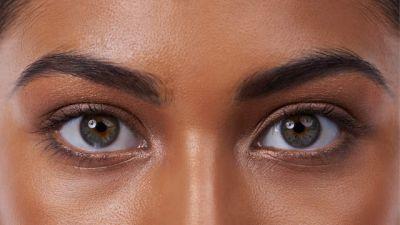 आपकी आँखों को नुकसान पहुंचा सकती है आपकी ये आदते