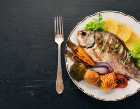 मछली ले सकती है आपकी जान, आज ही छोड़ दें  खाना