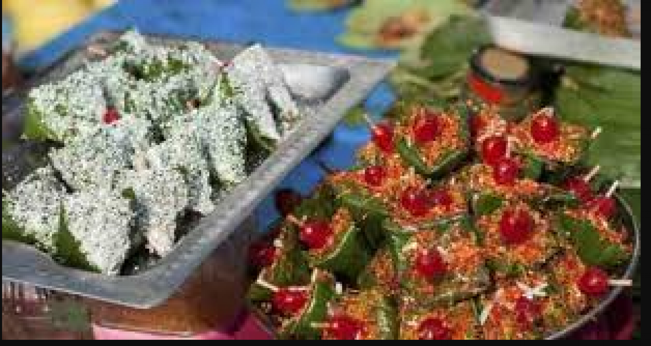 Welcome guests on the occasion of festival with Betel leaf