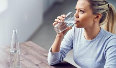 खाने के तुरंत बाद न पीएं पानी, हो सकती हैं ये परेशानियां..