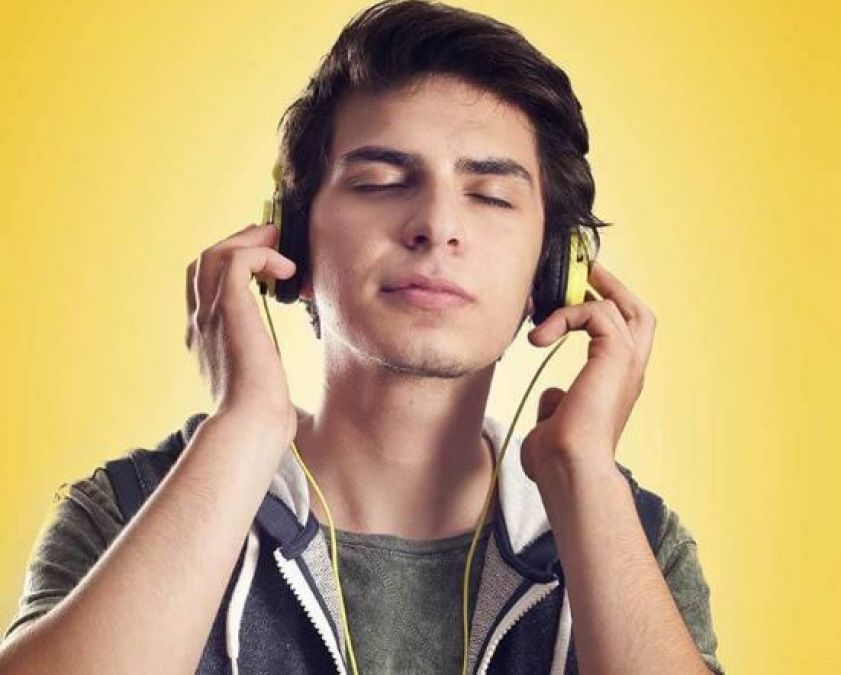 Shocking side effects of Earphones on our Brain and Ears