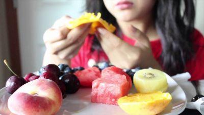 स्वस्थ रहने के लिए सही समय पर करें फलों का सेवन