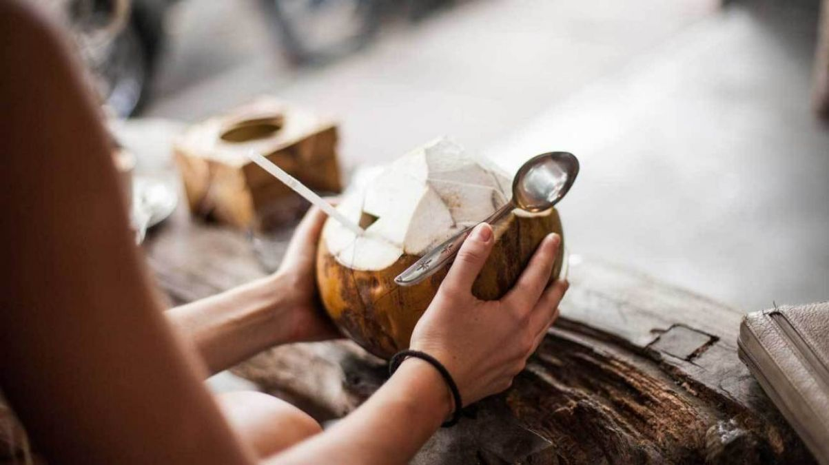 हाई ब्लड प्रेशर कण्ट्रोल करता नारियल पानी, जानें अन्य फायदे
