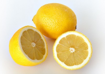 Use lemon is this way to get amazing benefits