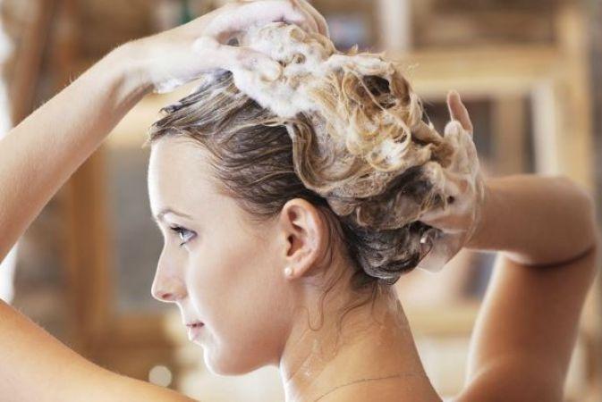 आ गया है अनोखा शैम्पू, बाल धोने के लिए नहीं करना पड़ेगा पानी का इस्तेमाल