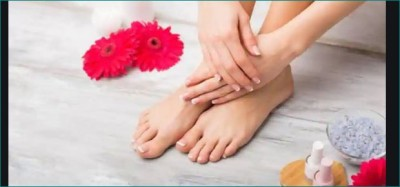 Do this home remedy to get rid of fungal infection in feet
