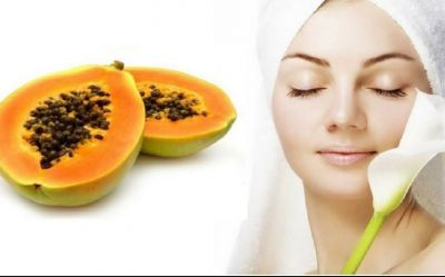 Beauty benefits of papaya: Apply Raw Papaya on the face for a glowing skin