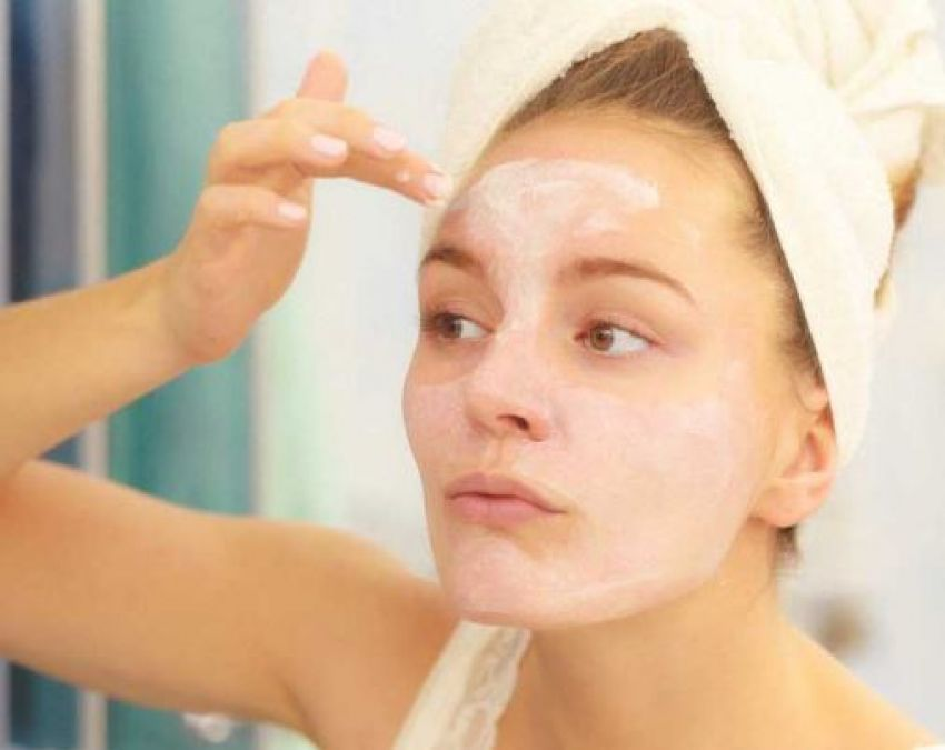 Tired of blackheads? Use this bread face pack to get rid of it