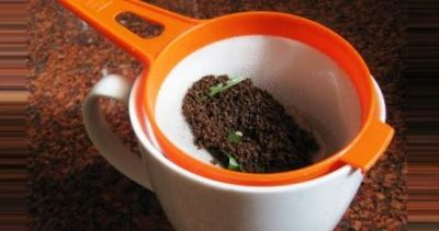 The tea leaves left after tea are beneficial for health and beauty