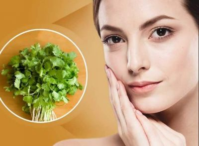 Use homemade Coriander Green pack to get rid of dead skin!