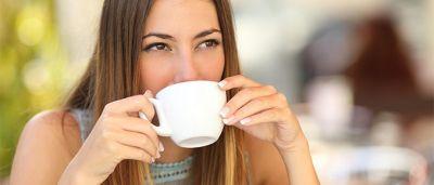 सुबह सुबह खाली पेट चाय पीने से हो सकता है सेहत को नुकसान