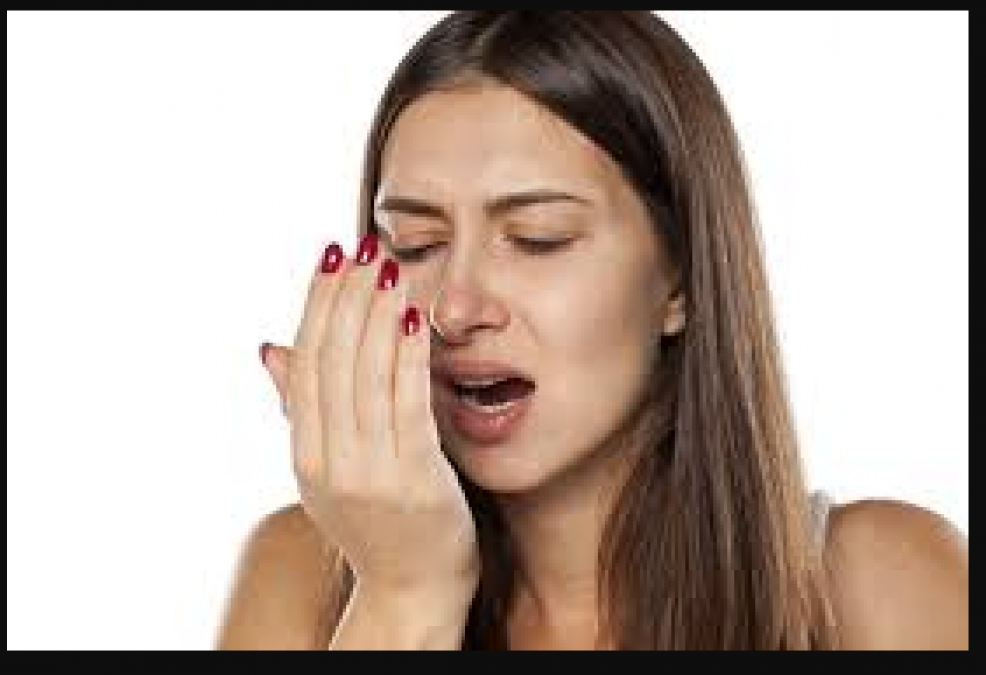 Get rid of mouth odor with these amazing tips