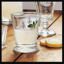 Follow these easy home remedies to clean glass utensils