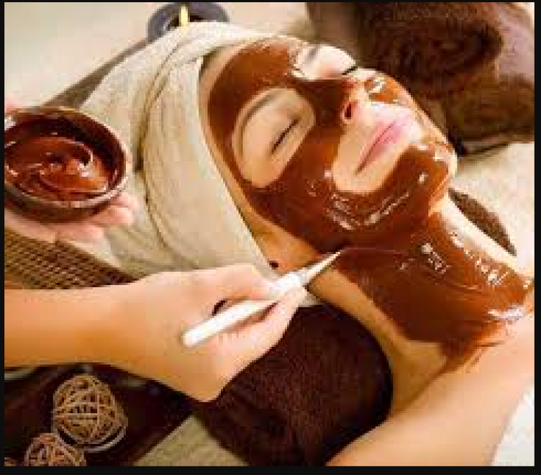 Make chocolate face pack made at home for glowing