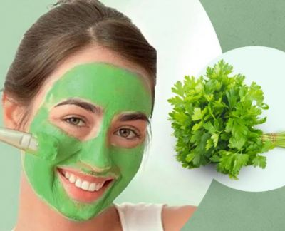 Apart from making chutney, green coriander also work as face pack