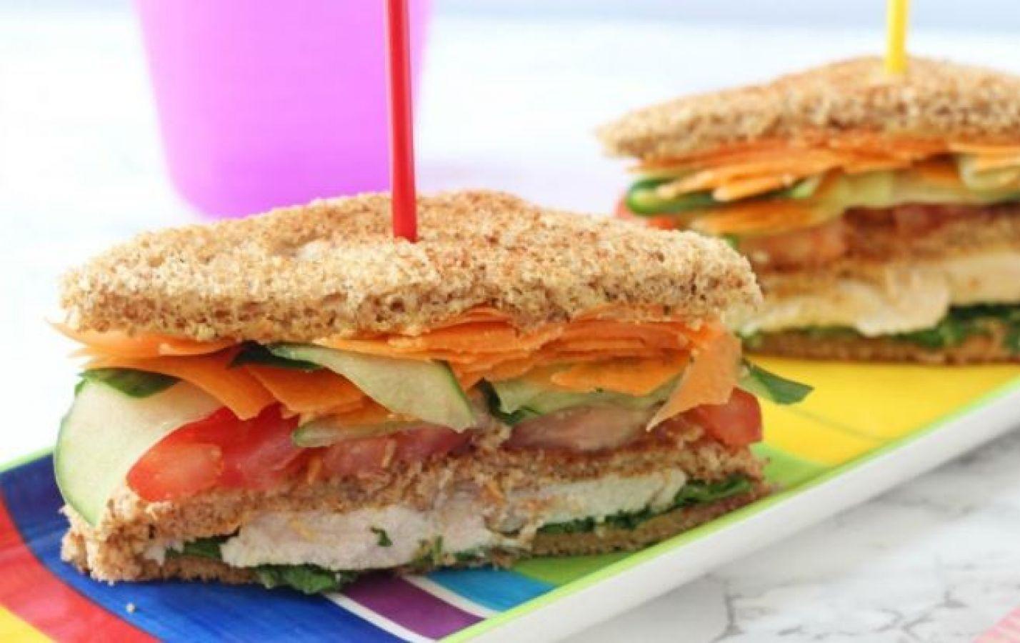 बच्चों के लिए हेल्दी है एप्पल मेयो सैंडविच