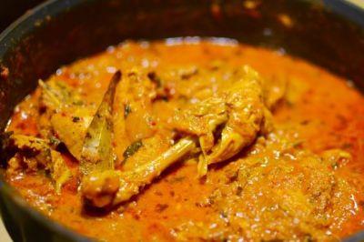 रमज़ान में इफ्तारी के लिए घर में बनाएं ढाबे वाली 'चिकन करी'