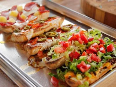 Recipe : जानिए घर पर कैसे बनाएं इटालियन ब्रेड पिज्जा