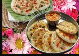 This colorful mini uttapam recipe is the best option for kids' tiffin