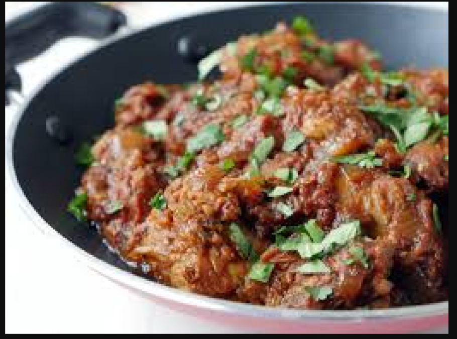 Make this recipe of Kadhai Murg in this special