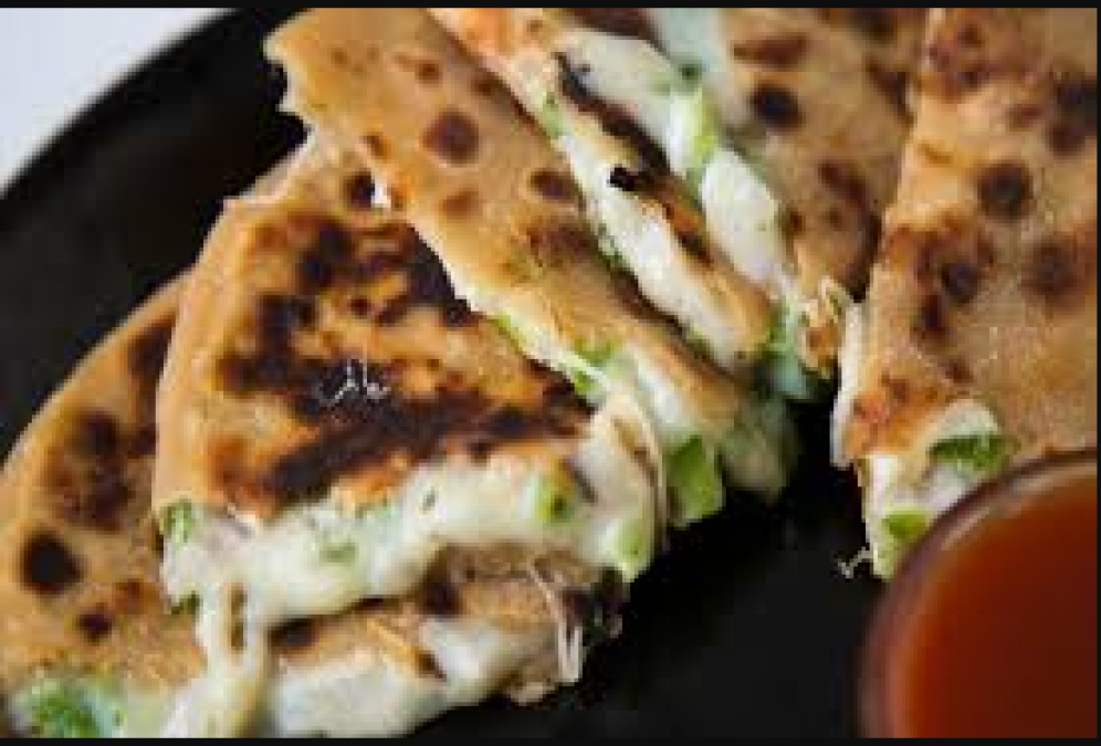 This recipe of Cheese Corn Paratha is the best for kids lunch