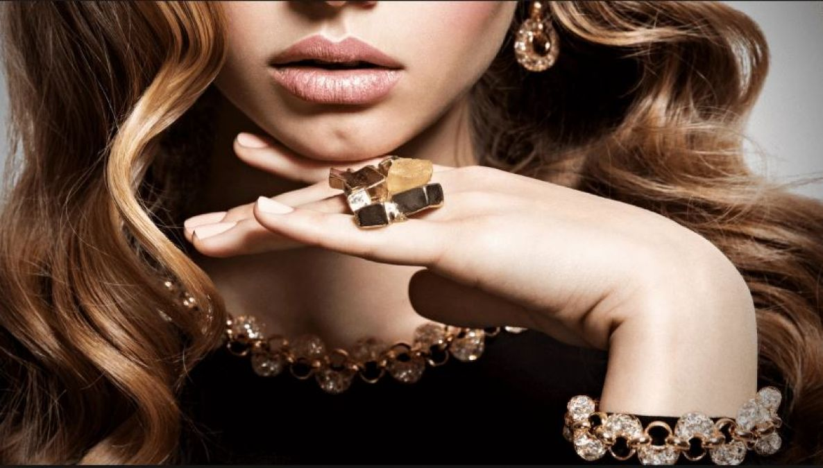 Use Stylish Artificial Jewellery As Fashion Statement