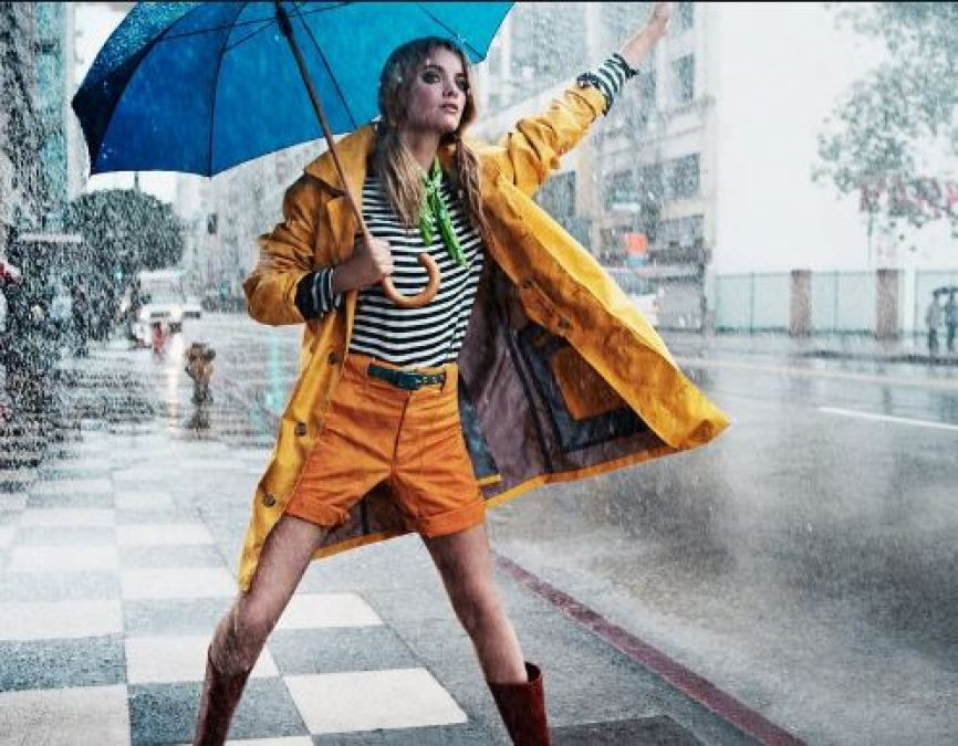 Wear loose clothes in monsoons, but keep fashion in mind