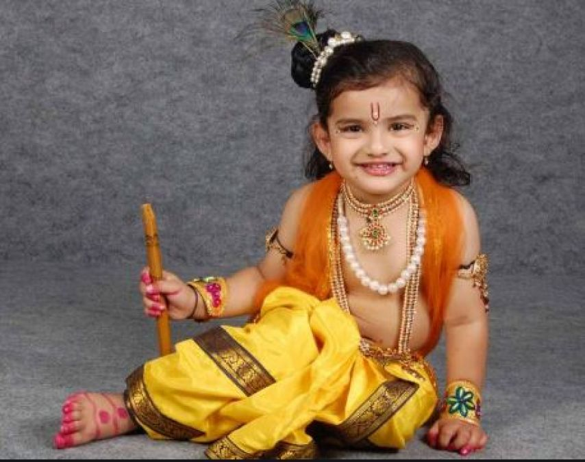 Try this costume to dress Up Your Baby as Lord Krishna