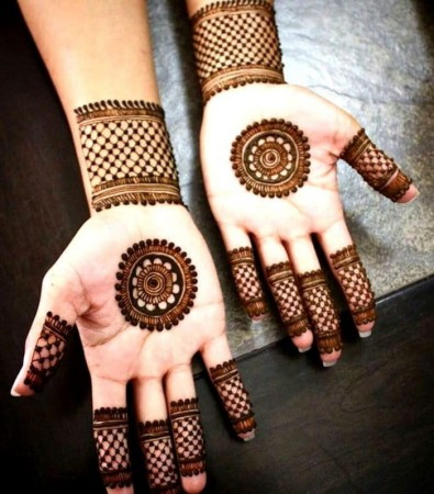 Try These Simple And Beautiful Mehendi Designs Newstrack English 1