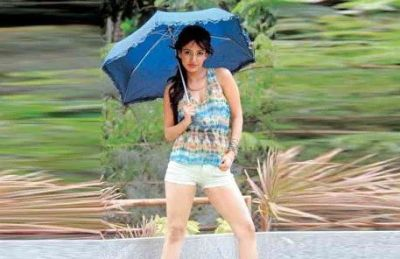 Try these combinations to look perfect with shorts in monsoon