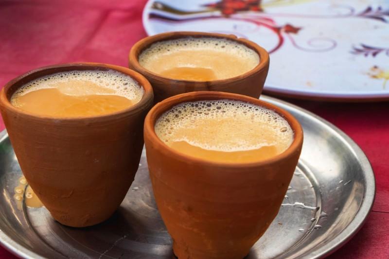 ये चायवाला पिला रहा है देश की सबसे महंगी चाय, कीमत जानकर हो जाएंगे दंग
