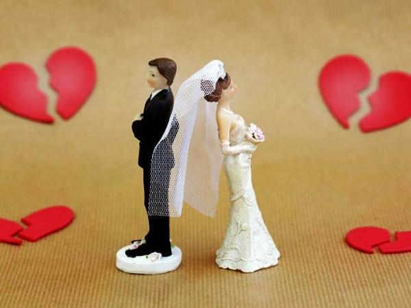 वरमाला डालने से पहले दुल्हन ने पूछ डाला ऐसा सवाल की दूल्हे का हुआ बुरा हाल, बिना शादी लौटी बारात