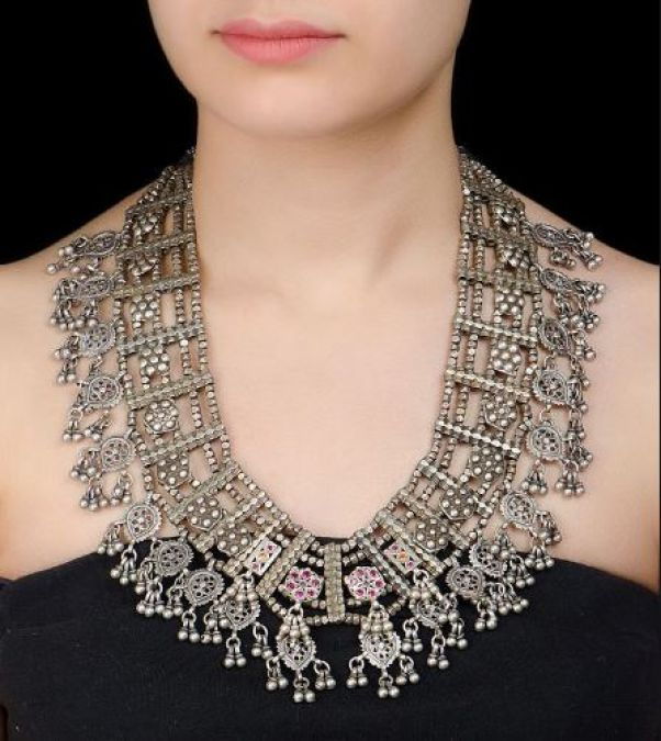 Metal jewelry is in great trend, match up with every dress!