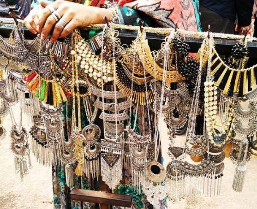 आर्टिफिशल ज्वेलरी के शौक़ीन हैं तो दिल्ली के ये मार्केट हैं बेस्ट