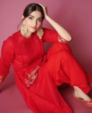 If you want to try something new, try Sonam Kapoor's Potli bag Kurta