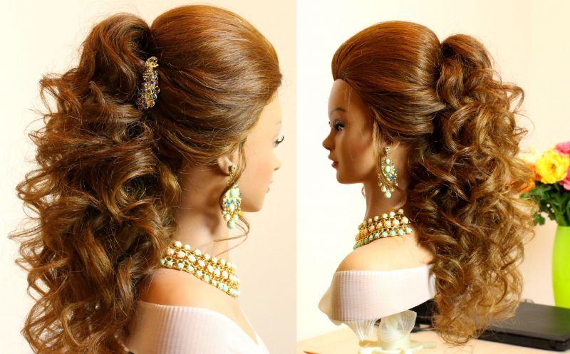 कर्ली बालों में बनाएं यह खूबसूरत हेयर स्टाइल