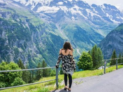7 essentials that are a must if you are traveling to a Hill Station so don't forget these stuff!