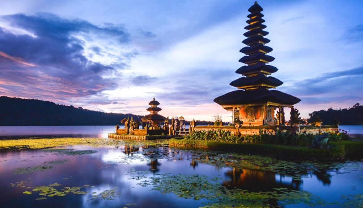 You can visit these beautiful countries in low budget also