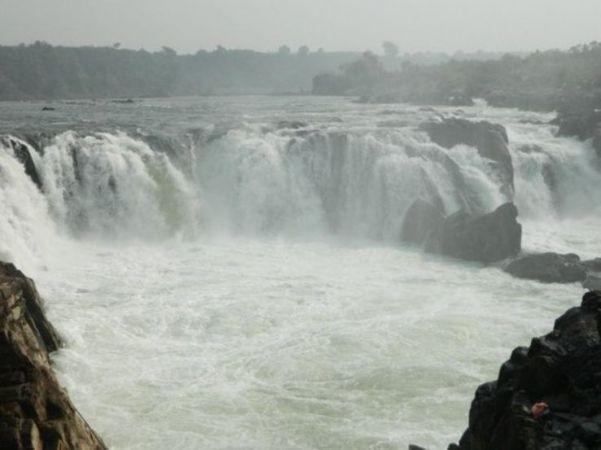 बारिश के मौसम में ले मध्य प्रदेश की इन खूबसूरत जगहों पर घूमने का मजा