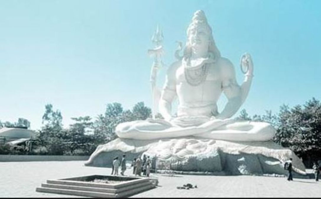 This Lord Place is famous in Madhya Pradesh, definitely visit