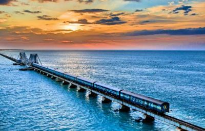 समुद्र के बीच  बना है ये ब्रिज, आपकी ट्रिप को बना देगा हमेशा के लिए यादगार