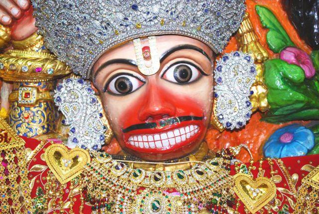 हर मनोरथ पूर्ण करता है महाबलि का सारंगपुरम धाम