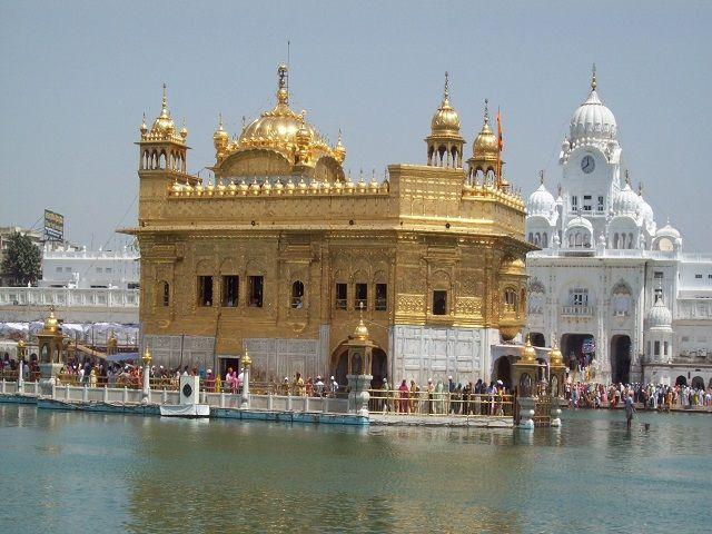 अमृतसर का यह प्रसिद्ध मंदिर