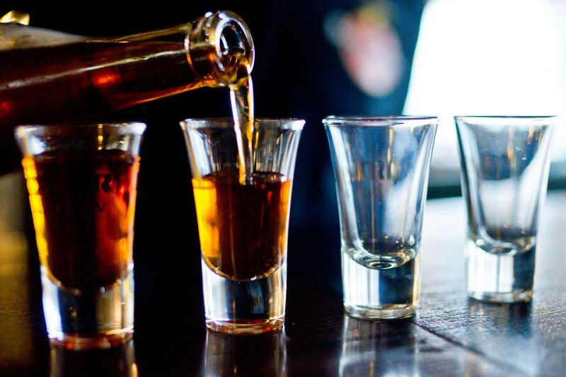 3.50 million liters of alcohol consumed by Delhi people every month
