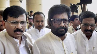 Shiv Sena MP Ravindra Gaikwad refuses to apologize alleges, 'Air India official is mad'