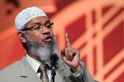 Court issues Non-bailable warrant against Zakir Naik