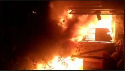 A massive fire broke out in Big Bazaar's Mumbai outlet located in Central Mumbai