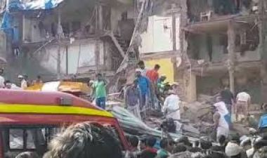 A 70-year-old building collapsed in Lucknow, one child dead