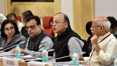 2 Big Decisions of GST Council Meet, Cashback on Digital Payment