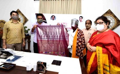 MoU's signed to uplift handloom weavers